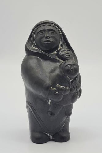 Inuit Carved Family Group: Mother, Baby & Child Aardvark 1972 Canada (1 of 5)