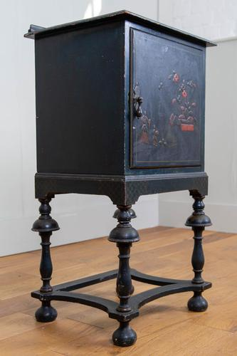Attractive Late Victorian Chinoiserie Painted Side Cabinet (1 of 15)