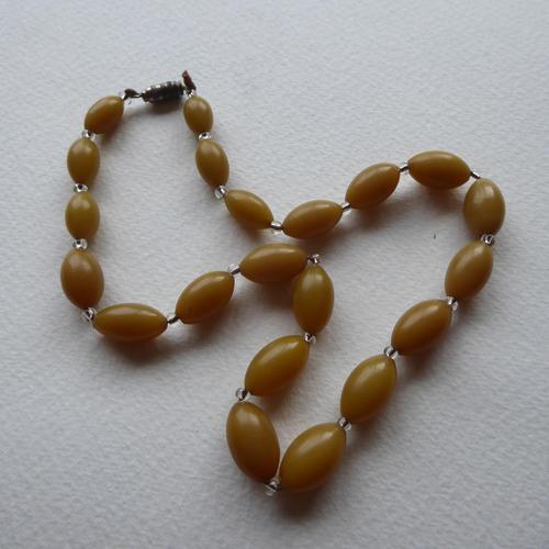 Butterscotch Bakelite Bead Necklace (1 of 7)