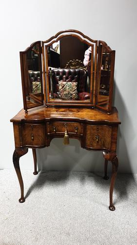 Outstanding Burr Walnut Dressing Table (1 of 13)