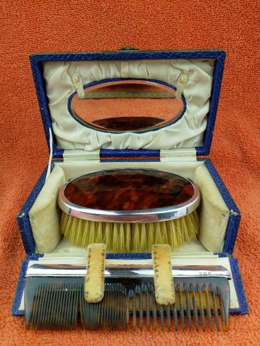 Antique Sterling Silver Hallmarked Cased Faux Tortoise Shell Brush & Comb Set with Mirror 1926 (1 of 12)