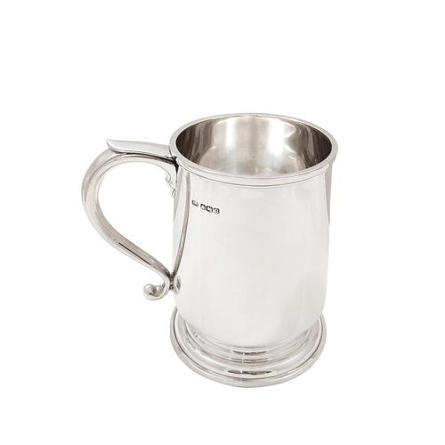 Sterling Silver Pint Mug / Tankard 1944 (1 of 8)