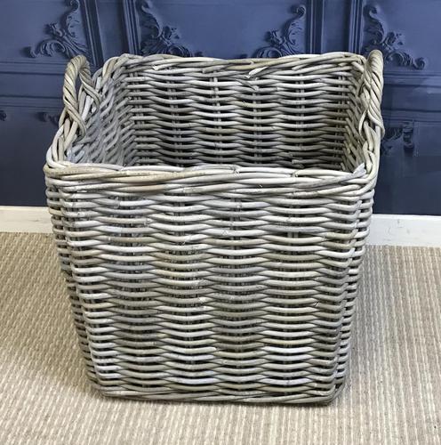 Wicker Log Basket (1 of 3)