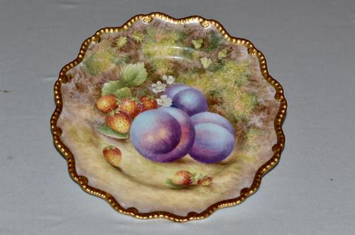 949 Royal Worcester Plate Painted with Plums & Strawberries Signed H. Ayrton (1 of 5)