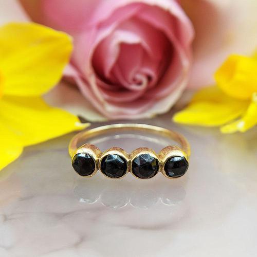 Vintage 18ct Gold Four Garnet Crystal Ring (1 of 9)