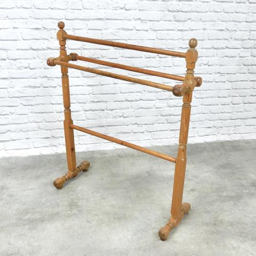 Victorian Pitch Pine Towel Rail (1 of 4)