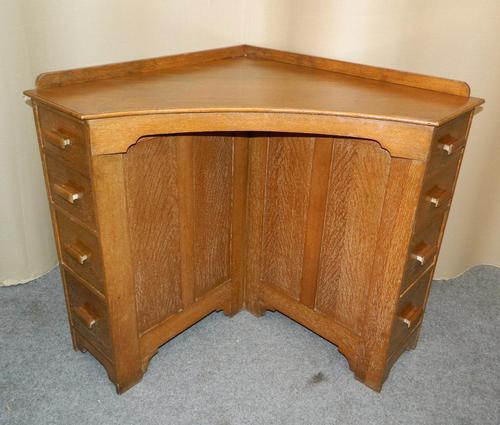 Oak Corner Desk (1 of 7)