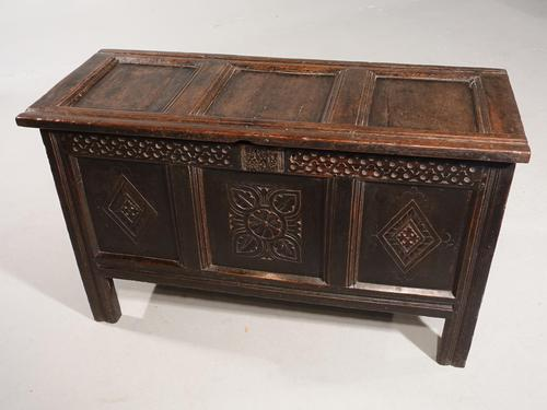 Early 18th Century Oak Panelled Coffer (1 of 7)