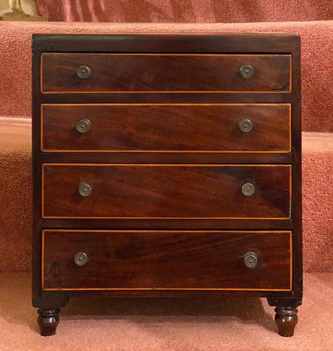 Fine Miniature Mahogany Chest of Drawers (1 of 4)