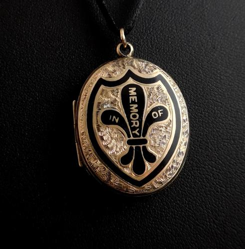 Antique Gold Mourning Locket, Victorian (1 of 15)