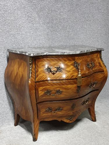 Very Pretty French Commode Chest of Drawers (1 of 8)