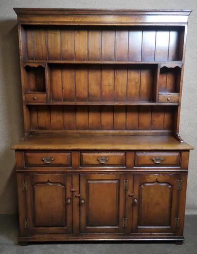 Titchmarsh & Goodwin Oak Dresser & Rack (1 of 15)