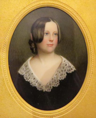 Miniature Portrait Victorian Beauty In original Travel Case (1 of 7)