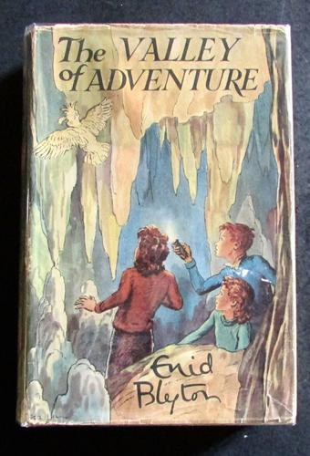 1947 1st Edition Enid Blyton The Valley of Adventure Complete with Original Dust Jacket (1 of 4)