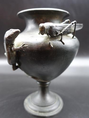 Finely Cast Late 19th Century Meiji Japanese Bronze Vase (1 of 8)