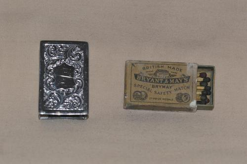 1900 Silver Matchbox Holder by Deakin & Francis Ltd with Bryant & May's Matches (1 of 7)