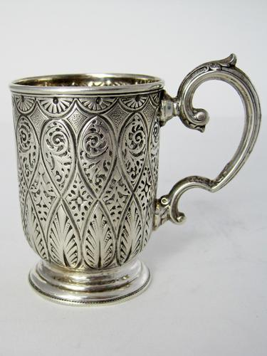 Victorian Silver Christening Mug with a Floral Scroll Handle (1 of 6)