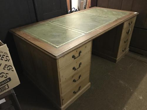 G. W. R Large Pine & Oak Leather Topped Desk (1 of 17)