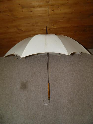 Antique Gold Plate English Made Umbrella With Lucite Crook Handle & Cream Canopy (1 of 17)