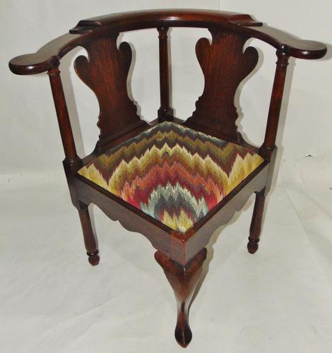 George II Red Walnut Corner Chair (1 of 7)