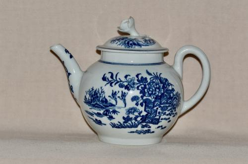 """Worcester 1st Period Porcelain Small Round Teapot """"Fence""""Pattern c 1765-1785 (1 of 7)"""