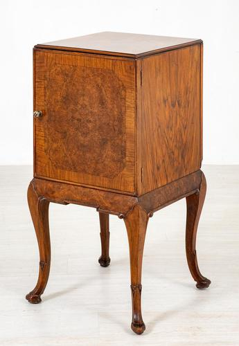 Quality Queen Anne Style Walnut Bedside Cabinet (1 of 8)
