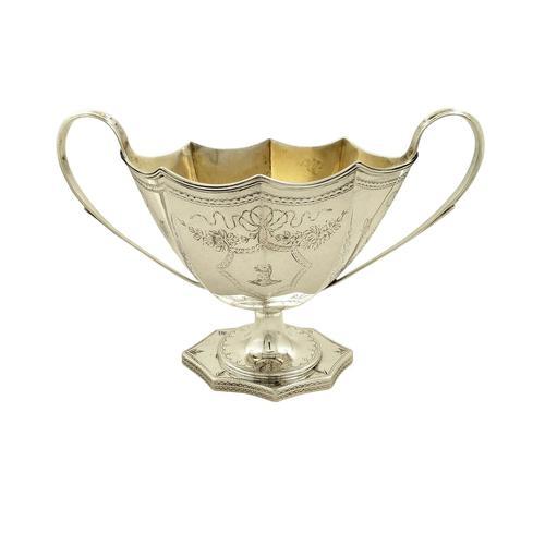 Antique Edwardian Sterling Silver Sugar Bowl 1901 (1 of 10)