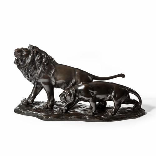Meiji period bronze study of a lion and lioness by 'Genryusai Seiya' (1 of 8)