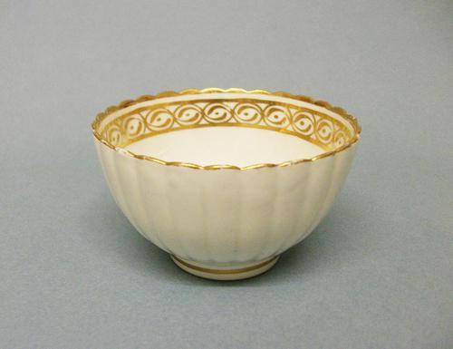 Caughley Convex Fluted Tea Bowl c.1790 (1 of 3)
