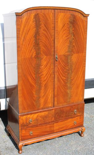 1960s Mahogany Press Wardrobe Well Fitted (1 of 7)