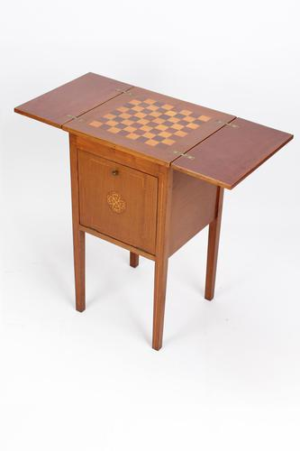 Small Mahogany & Inlaid Chess Top Games Table (1 of 13)
