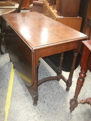 Large Mahogany Gate Leg Dining Table (1 of 3)