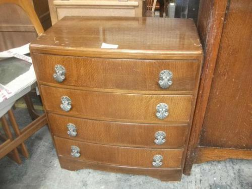 Oak Four Drawer Chest (1 of 3)