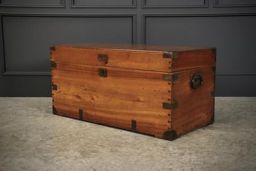 Camphor Wood Military Campaign Trunk (1 of 13)