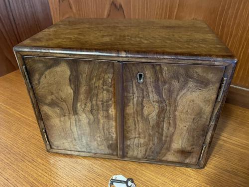 Walnut Jewellery / Table Box (1 of 10)