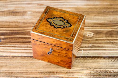 Single Amboyna French Tea Caddy c.1880 (1 of 11)