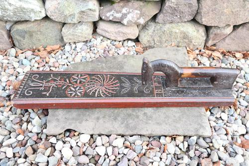 Scandinavian / Danish 'Folk Art' Horse handle mangle board with chip carving & original  black/red paint BPD c.1820 (1 of 19)