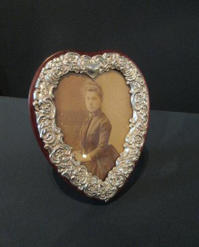 Antique Silver Heart Shaped Photo Frame (1 of 5)