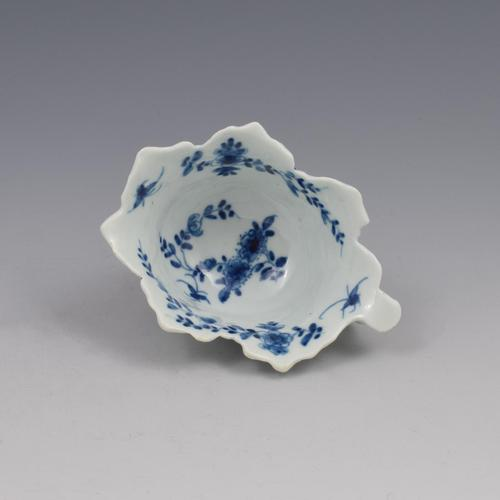 First Period Worcester Porcelain Butter Boat Pickle Leaf Daisy c.1758 (1 of 7)