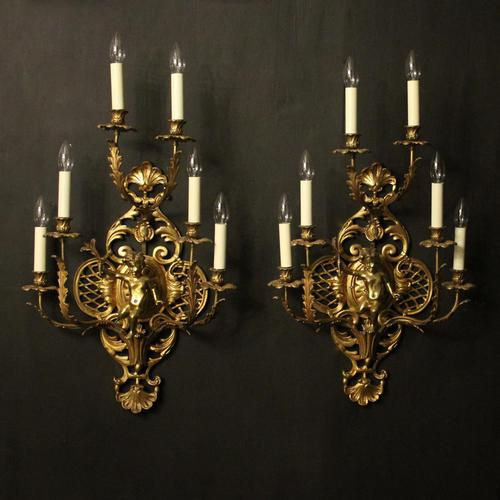 French Pair of Cherub Gilded Brass Wall Lights (1 of 10)