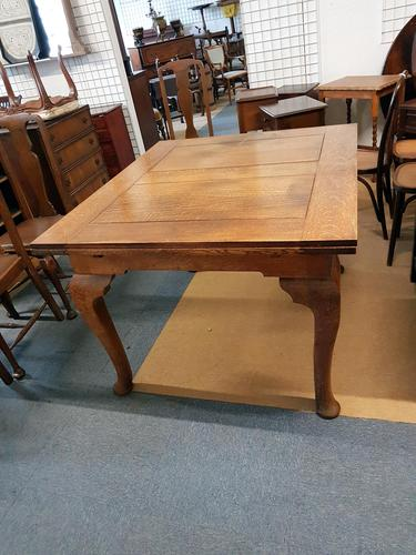 Oak Dining Table (1 of 4)