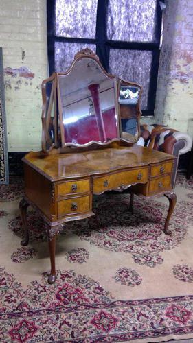 Burr Walnut Dressing Table (1 of 5)