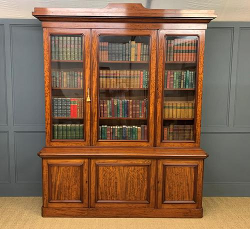 Fine Quality Figured Mahogany Library Bookcase (1 of 17)