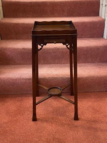 Chippendale Period Mahogany Urn Stand (1 of 4)
