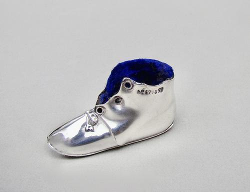 Rare Edwardian Silver Shoe Pin Cushion by Levi & Salaman Birmingham 1906 (1 of 7)