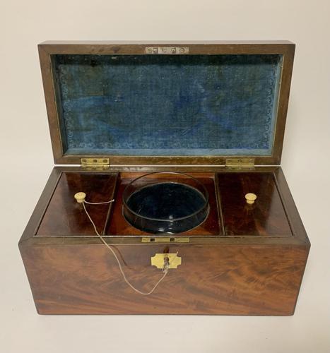 Antique Georgian Mahogany Tea Caddy Box (1 of 12)