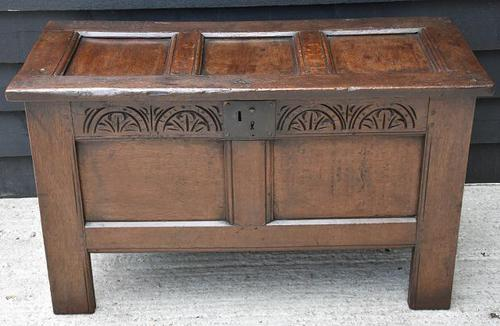 Handsome 17th Century Small Proportioned Oak Coffer c.1680 (1 of 13)