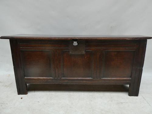 English 17th Century Oak Coffer (1 of 14)