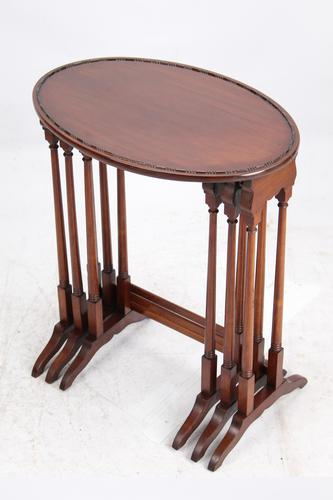 Victorian Nest of 3 Mahogany Tables Manner of Gillows (1 of 13)