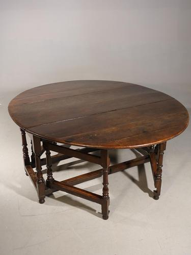 Good & Unusual Early 18th Century 8 Seater Gateleg Table (1 of 7)